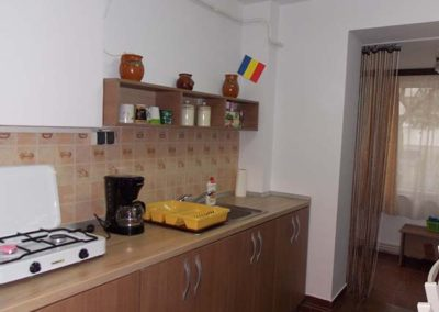 irenes hostel kitchen (1)