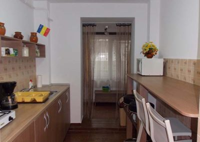 irenes hostel kitchen (2)
