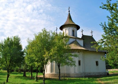 Patrauti Church (1)