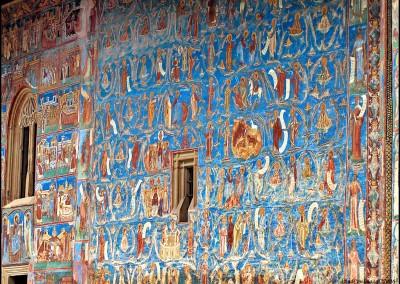 voronet-painted-monastery-bucovina-3