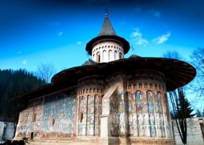 voronet-painted-monastery-bucovina-6