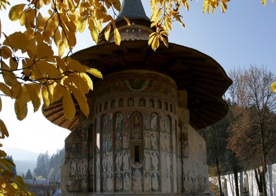voronet-painted-monastery-bucovina-S-view